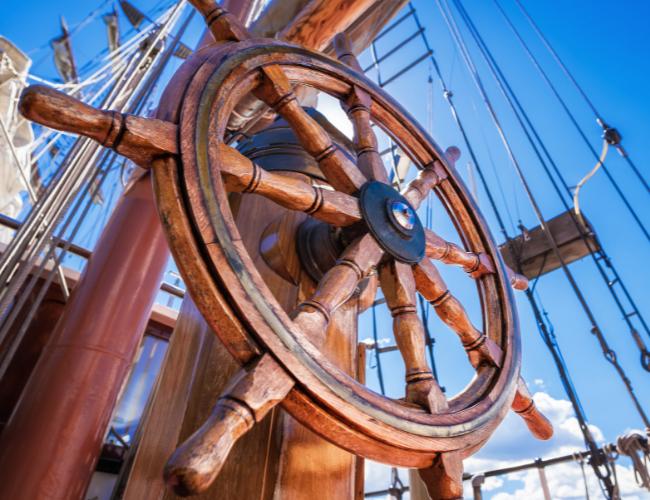 Als Frau macht Ausbildung als Kaufmann/-frau im E‑Commerce musst Du steuern wie auf einem Schiff
